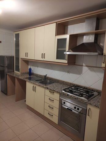 Cozinha usada em bom estado (pouco uso)