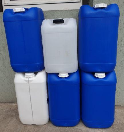 Kanister/pojemnik/ plastikowy 20, 25 litrów