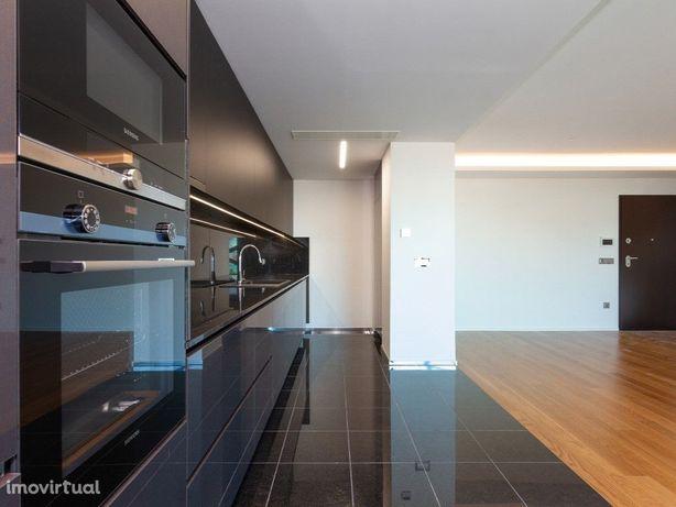 Apartamento T2 para Arrendamento no Campo Pequeno, Lisboa