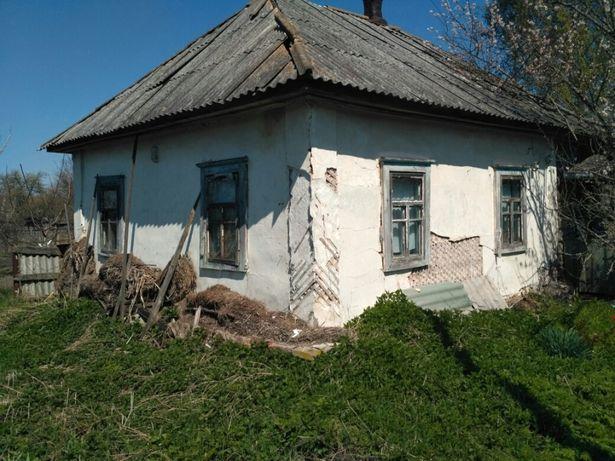 Дом с участком в 50 км от Киева.