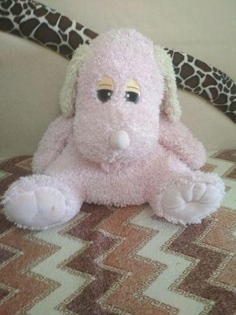 Мягкая розовая собачка