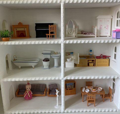 Кукольный домик деревянный дом с мебелью посудой едой в идеальном виде