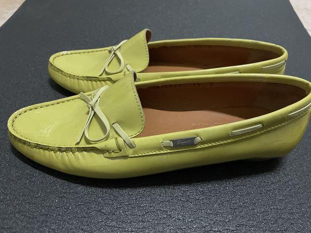 Vendo sapatos Salvatore Ferragamo verde lima