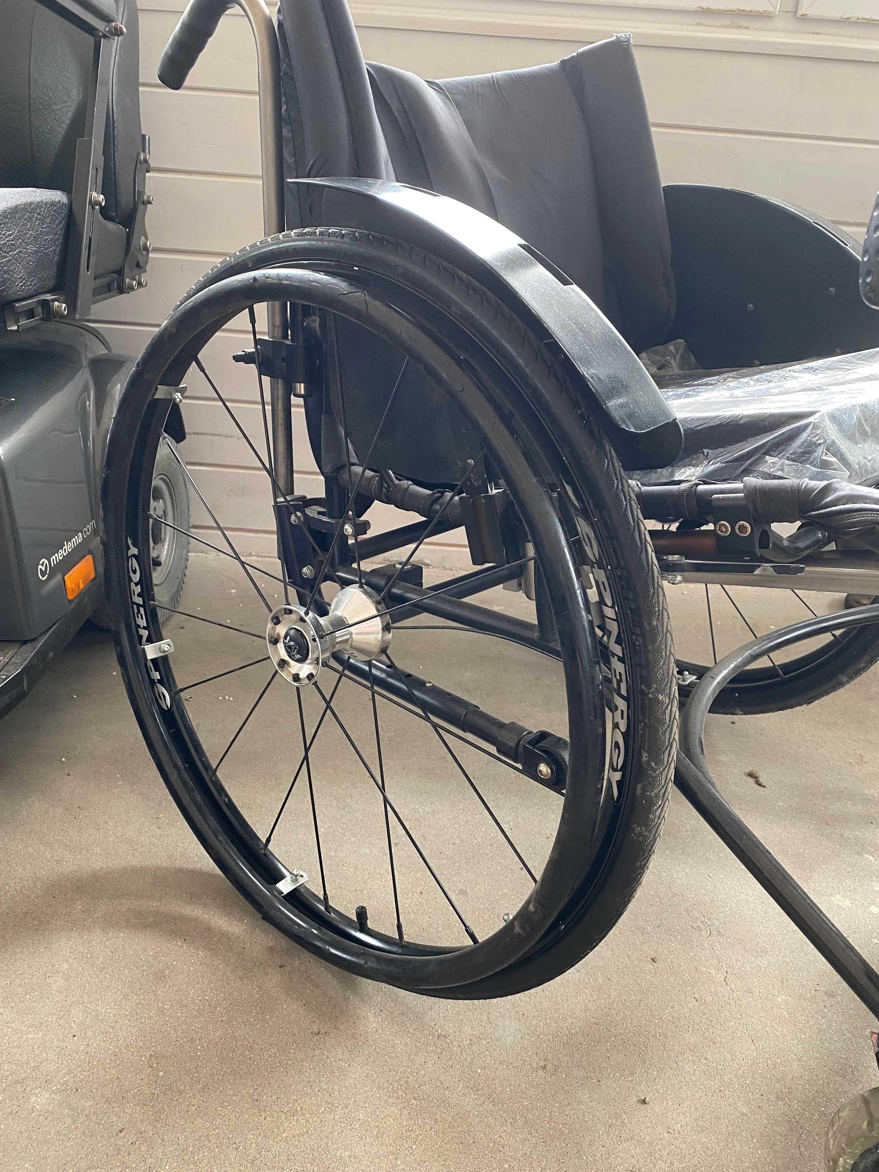 wózek inwalidzki z przystawką elektryczną handbike TRACKER POWER BIKE