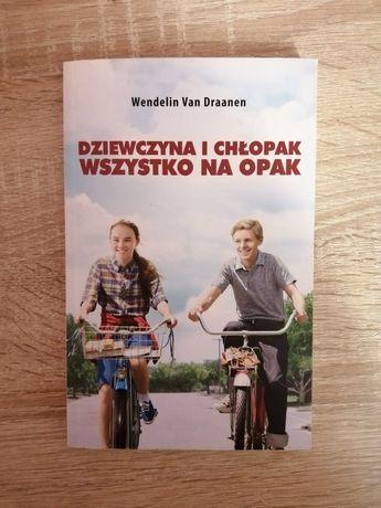 """książka ,,Dziewczyna i chłopak wszystko na opak"""""""