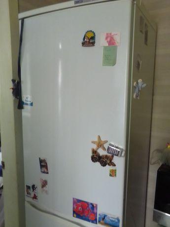 Продается холодильник Атлант 15000р