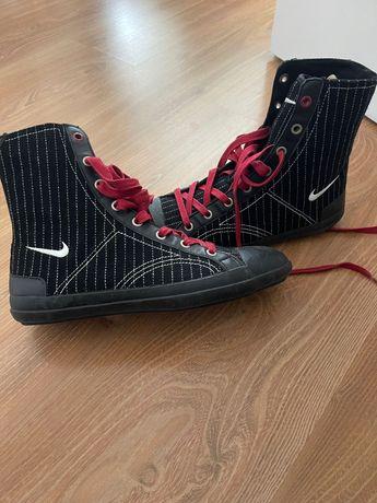 Tenis bota Nike novos