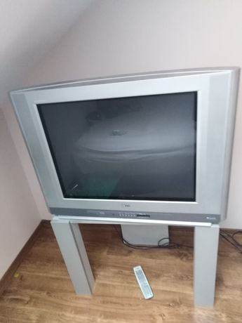 Telewizor 32 całe LG+ stolik