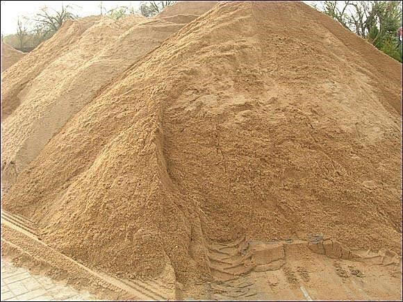 Piasek pod kostkę piasek sortowany do mixokreta do murowania