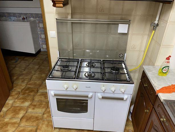 Vendo arcondicionado+fogso 5 bocas e forno + forno de microondas