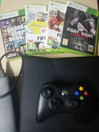 Xbox 360 Slim 250GB + pad + 4 gry NA FERIE