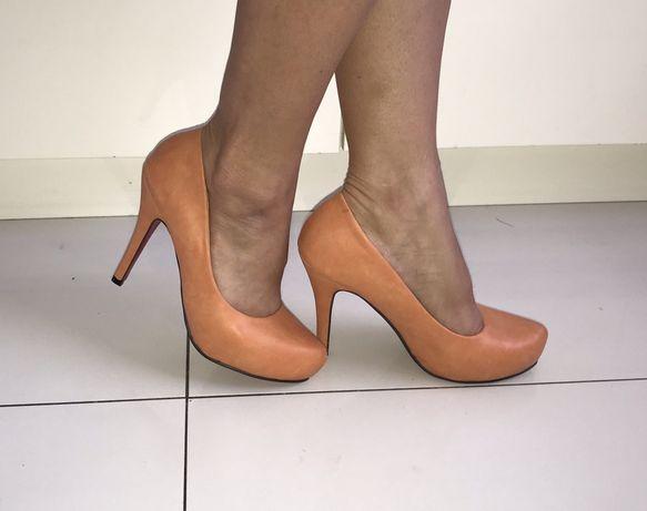 Śliczne wygodne buty rozm 38 szpilki nowe okazja