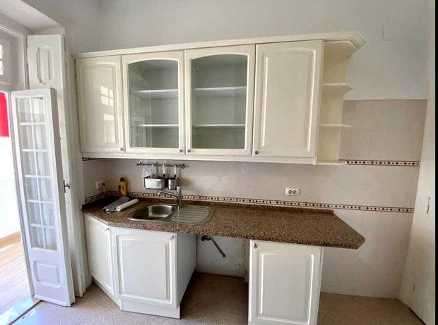 Cozinha completa como nova, com pedra granito