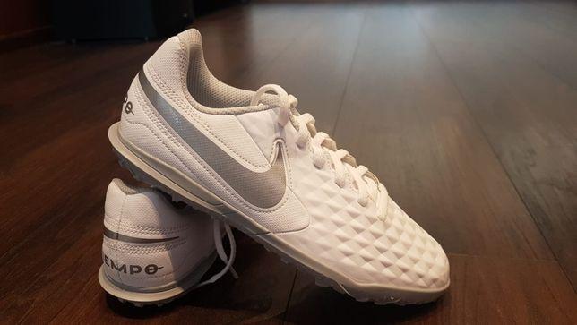 Buty Nike Halówki Jr Legend 8 Club rozmiar 36
