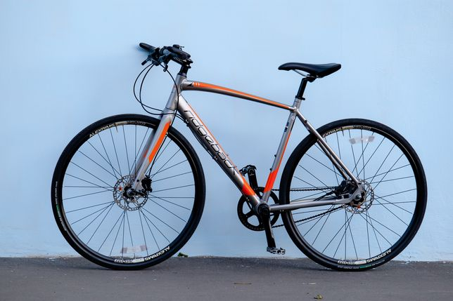 Вилка карбон, рама XL-алюминий, велосипед-шоссер в идеальном состоянии