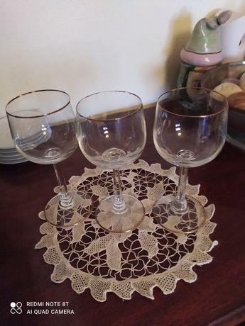 18 copos de vinho tinto e branco meio cristal com friso Dourado