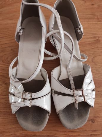 Босоножки, туфли для танцев