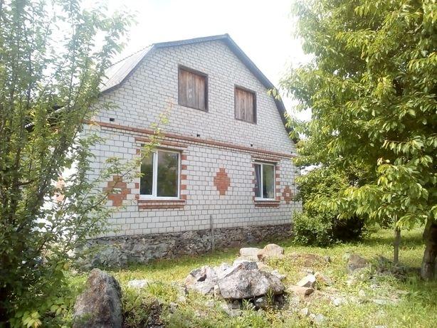 Продам великий новий будинок.