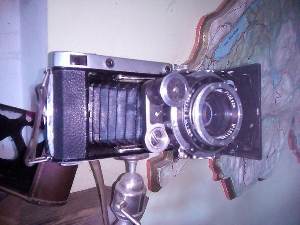 Продам фотоаппарат Москва 5 и фотоэкспонометр Ленинград 2
