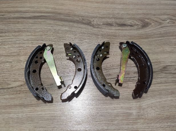 Задние тормозные колодки Фольксваген Пассат б3 б4 Джета 2 Гольф 2 3