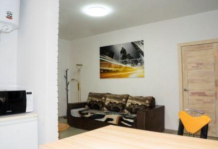 Светлая и Уютная 2-х комнатная квартира в самом центре города