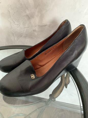Продам новые туфли ,кожа