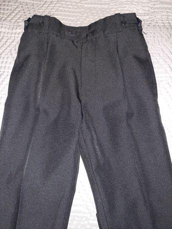 Spodnie chłopięce w kant czarne 128cm