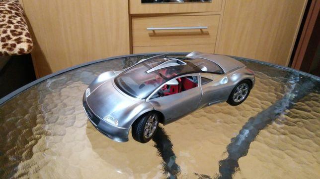 Model Audi AVUS szczotkowane aluminium w stanie idealnym 1:18 Maisto