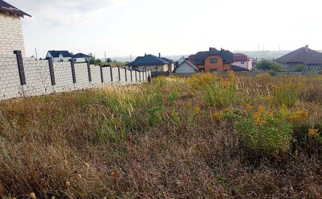 Земельна ділянка в селі Корнин.