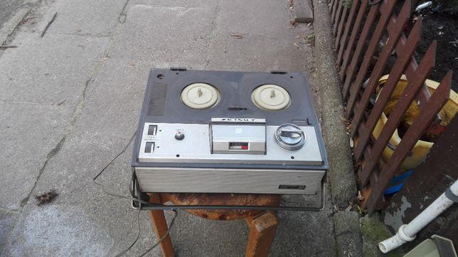Sprzedam Magnetofon Szpulowy firmy UNITRA Magmor model ZK 140T