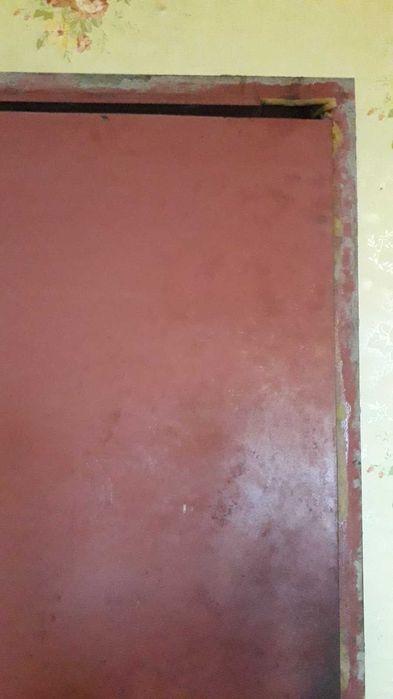 Дверь с рамой, железная. Каменское - изображение 1