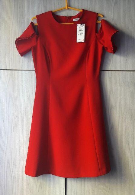 Czerwona sukienka cold shoulder koraliki biurowa do pracy Reserved