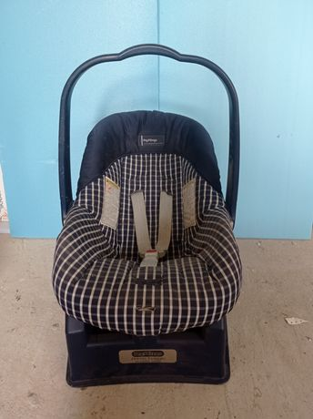 Детяче авто крісло