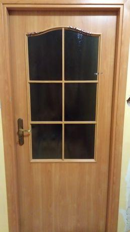 Drzwi wewnętrzne 80 cm, w klasycznym stylu, z przeszkleniem