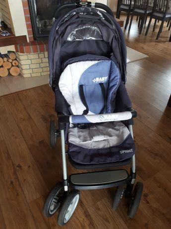Wózek dziecięcy spacerowy.