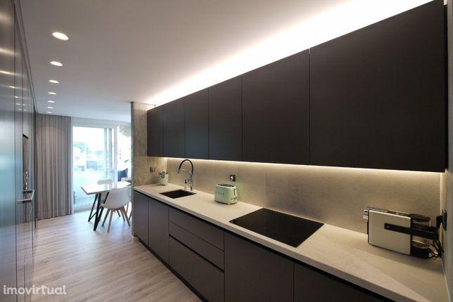 Glamouroso Apartamento T2, Linda-a-Velha