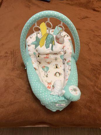 Кокон  мобіль для новонароджених
