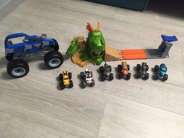 Хот вилс hot weels monster trucks машинки трек  гараж переноска