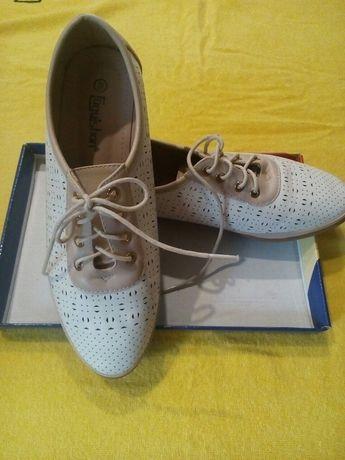 Продам туфли женские , экокожа,стелька 25,5,см ,один раз обуты