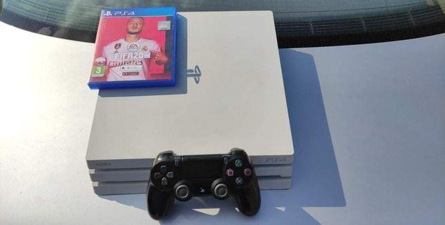 Konsola Sony PlayStation4 pro biała