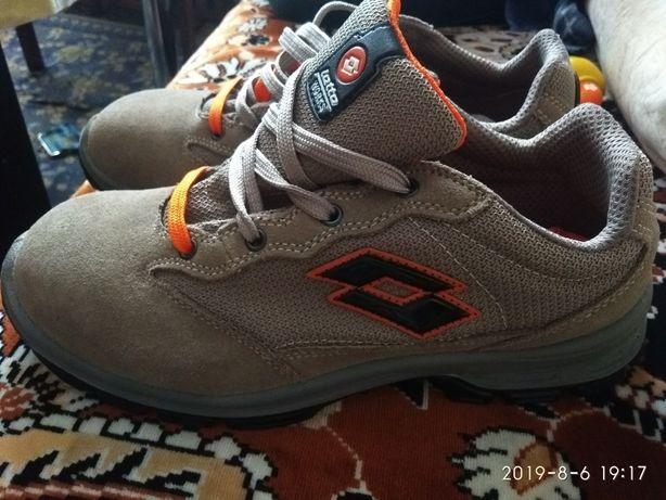 Продам новые ботинки из европы
