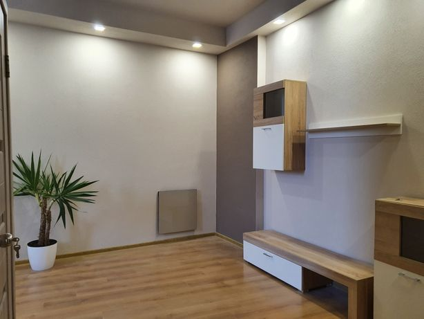 ЦЕНТР(р-нКОРЯТОВИЧА)37м² 1,5 кімнатна 2поверх