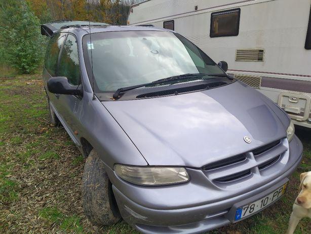 Vendo completo ou ás peça Chrysler Voyager 2.5 TD de 10/2000 cinza
