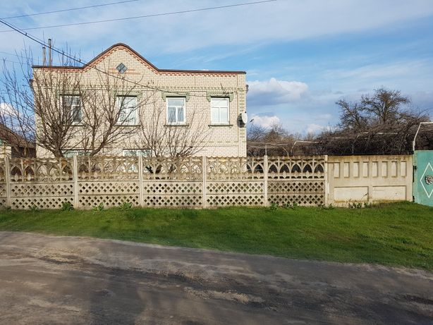 Продам добротный загородный дом