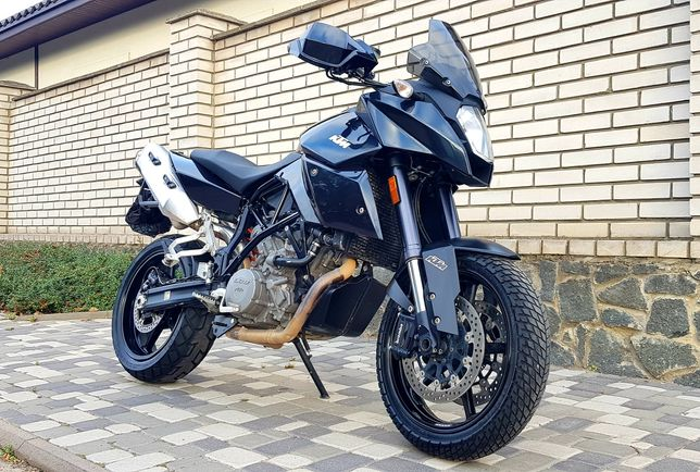 Продам KTM 990  Akrapovic супер-мото