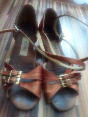 Buty do tańca długość wkładki 20cm