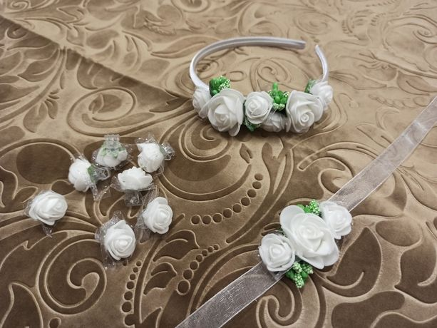 Opaska biała z zielonym