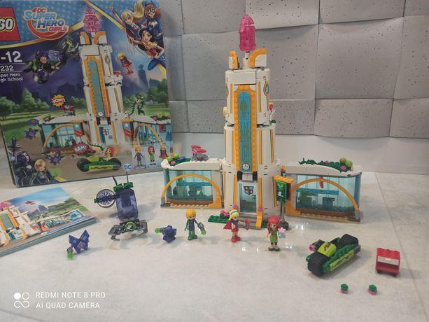 Lego DC Super Hero Girls Szkoła Superbohaterek 41232