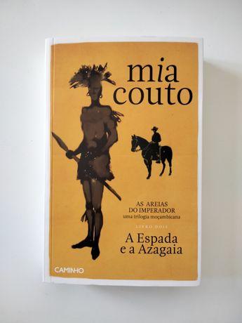 NOVO • A Espada e a Azagaia, de Mia Couto