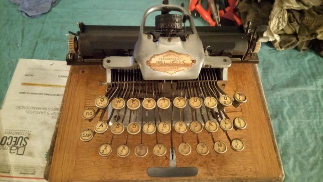 Maquina de escrever_Blickensderfer Aluminium Featherweight